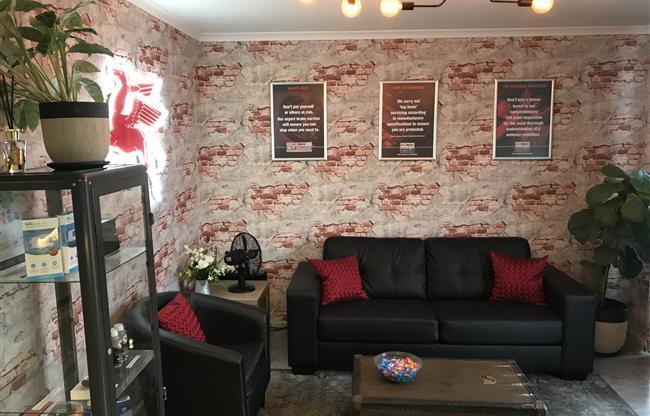 Azzco Deluxe Garage image