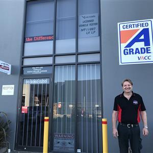 Azzco Deluxe Garage profile image