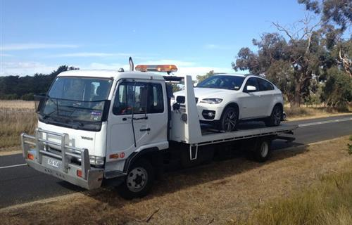 24 Hour Towing & Roadside Assistance image