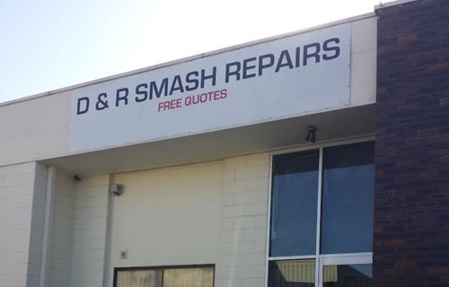 D & R Smash Repairs image