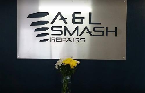 A&L Smash Repairs image