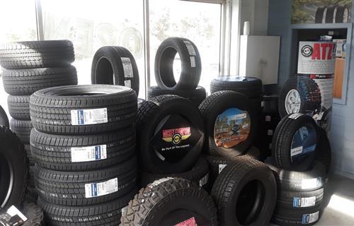 Torquay Tyre Service image