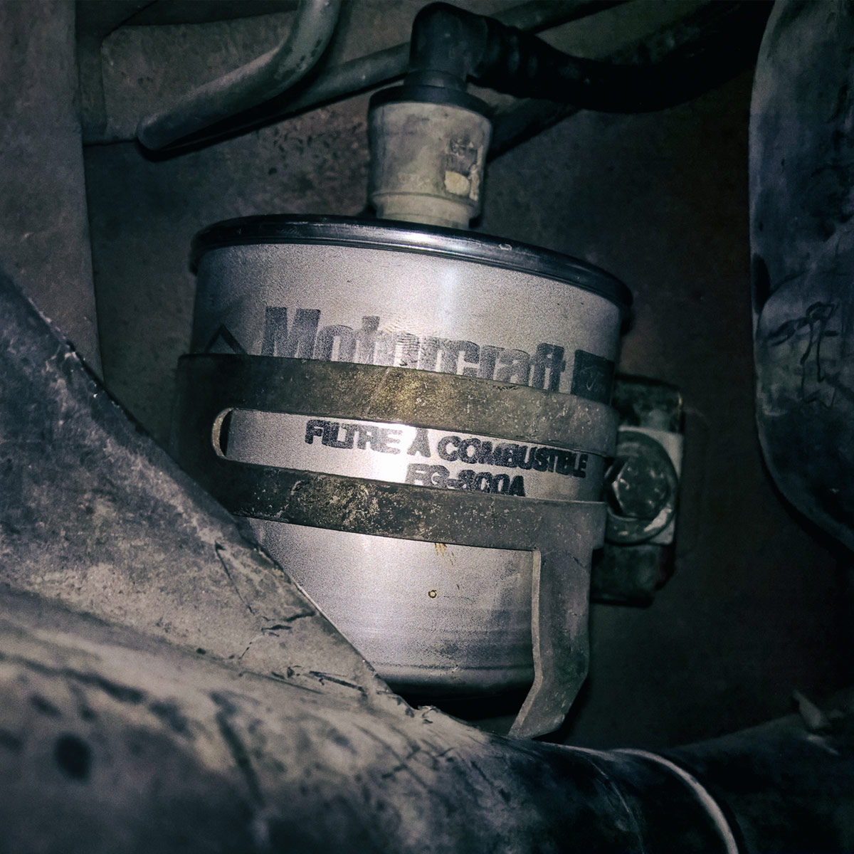 Mazda 40 Fuel filter replacement