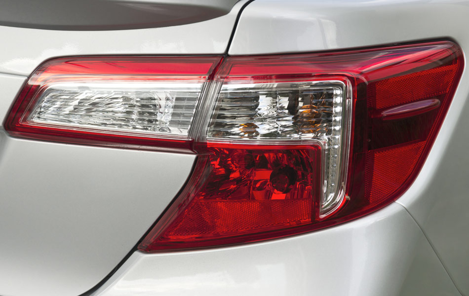 Tail light lens replacement costs