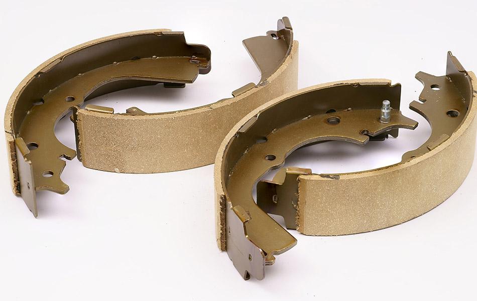 Handbrake shoe replacement